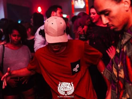 Dance Like Yourself - Paradis Club
