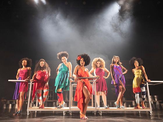 d67ba9c57 Sete atrizes dividem palco para contar a história da cantora Elza Soares. O  musical dirigido por Duda Maia, apresenta duas sessões no Festival de  Curitiba ...