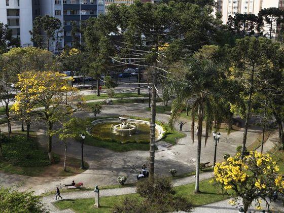 Feira de Inverno da Praça Santos Andrade