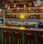 Aqueces Bar