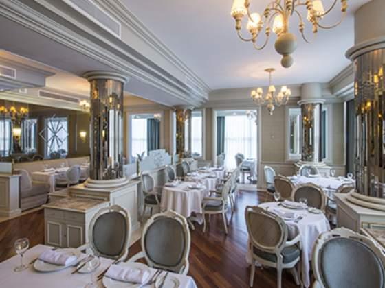 99 Brasserie Café Hotel Bourbon