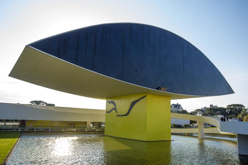 Museu Oscar Niemeyer (MON)
