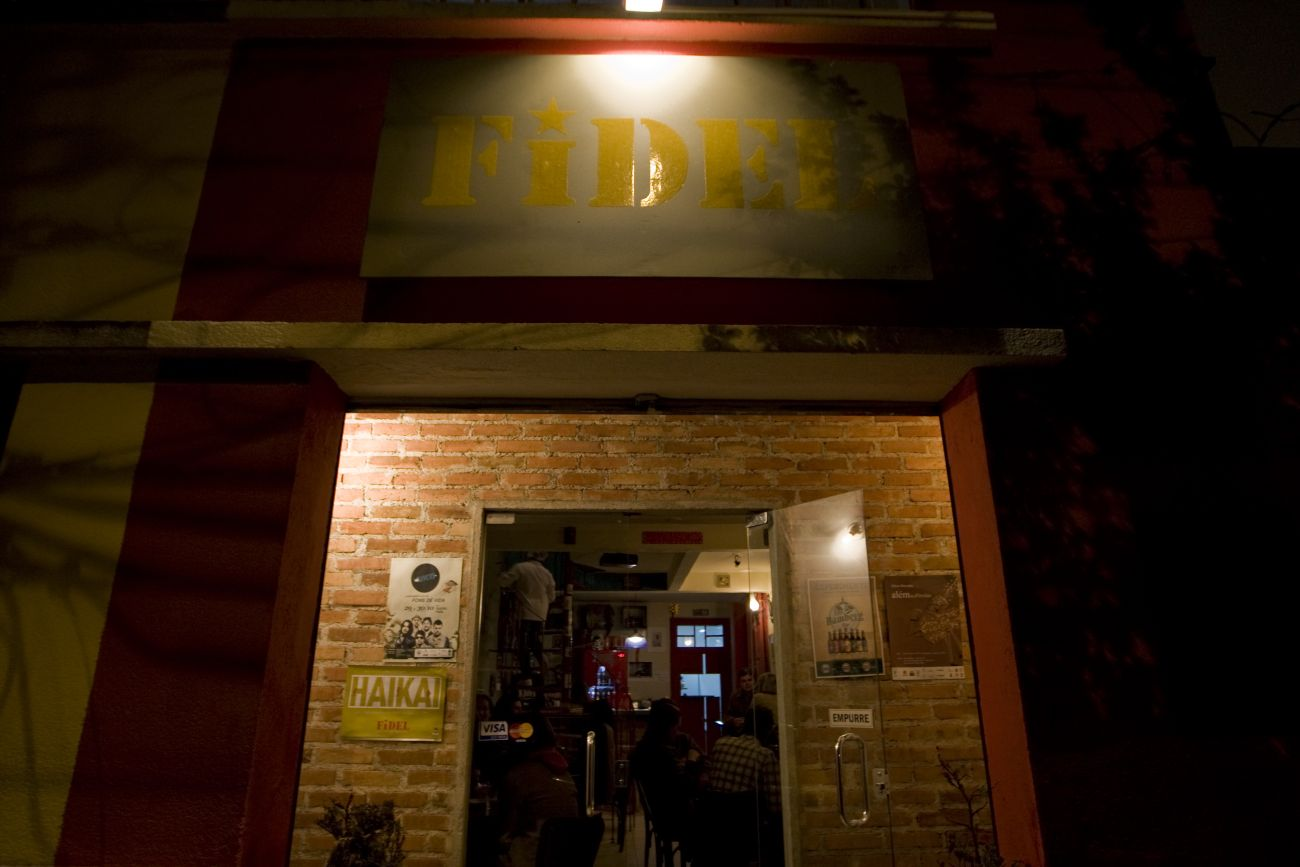 Fidel Bar (PERMANENTEMENTE FECHADO)