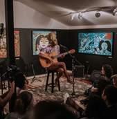Sofar Sounds Curitiba Apresenta: Bia Ferreira