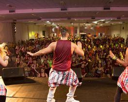 Festival de zumba em Curitiba promete colocar todo mundo para dançar