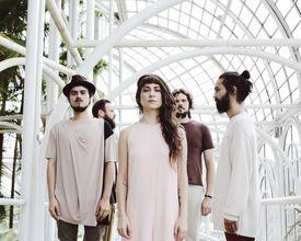 A Banda Mais Bonita da Cidade lança seu novo disco com show em Curitiba