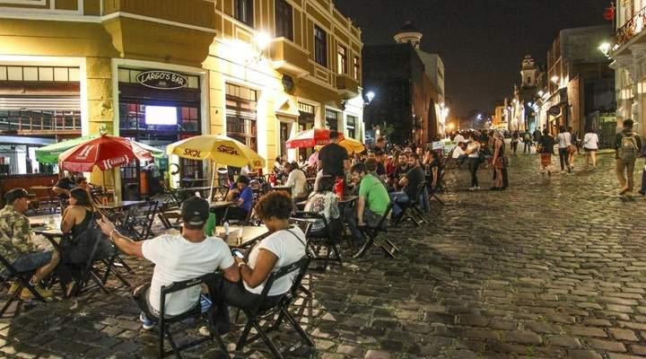 Festival no centro histórico celebra o inverno com comida e cervejas baratas,  música, cinema e moda