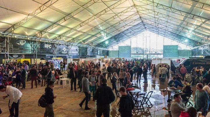 Curitiba Eats and Beats terá sete horas de shows na Quadra Gastrô neste sábado