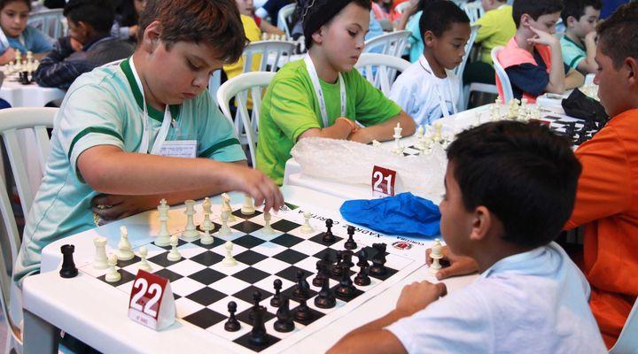 Torneio de xadrez em Curitiba esgota inscrições com 1,2 mil participantes