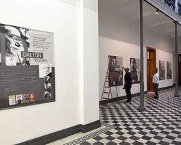 Exposição em Curitiba reúne obra escritores como Paulo Leminski, Dalton Trevisan e Helena Kolody