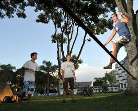 Confira alguns lugares de Curitiba para praticar slackline