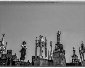 Visita guiada no Cemitério Municipal vai percorrer túmulos de músicos paranaenses