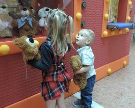 Crianças podem criar seu próprio urso (e doar um igual!) em ação de Natal
