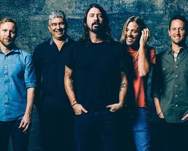Black Friday dá (quase) 50% de desconto no ingresso do show do Foo Fighters e QOTSA