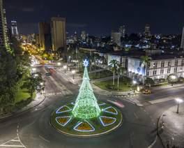 7 árvores de Natal em Curitiba para você visitar e tirar uma foto perfeita!
