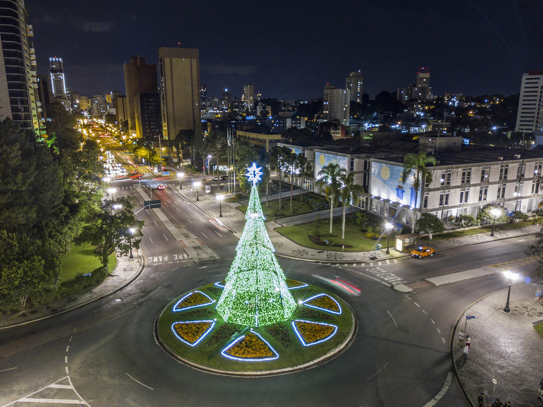 7 árvores de Natal em Curitiba para você visitar e tirar ...