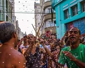 Tem bloco de carnaval para todas as idades no fim de semana em Curitiba