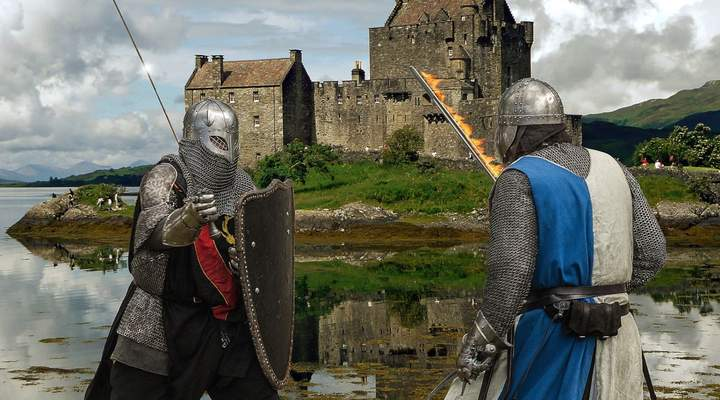 Combate medieval é um esporte e pode ser aprendido em Curitiba