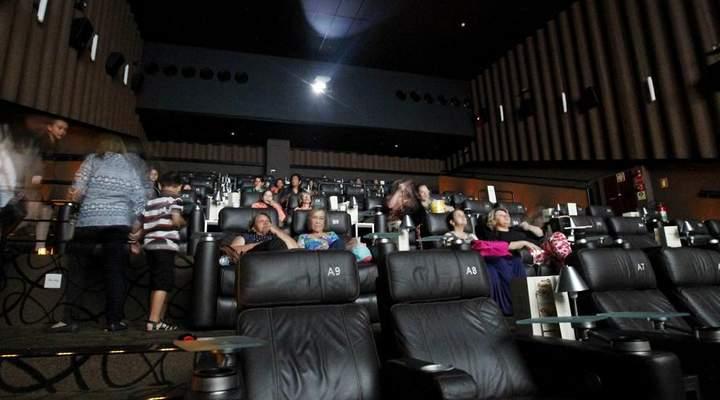 Rede de cinemas faz promoção com ingresso a R$ 6