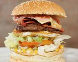 Em evento, quem comer hambúrguer de 650g em 3 minutos ganha R$ 50