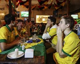 Bares de Curitiba transmitem jogo do Brasil na manhã desta sexta-feira (22)
