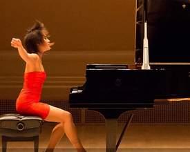 Fenômeno do piano clássico, chinesa Yuja Wang toca em Curitiba em outubro