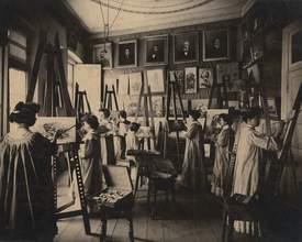 Museu Paranaense prorroga exposição sobre história das mulheres no Paraná