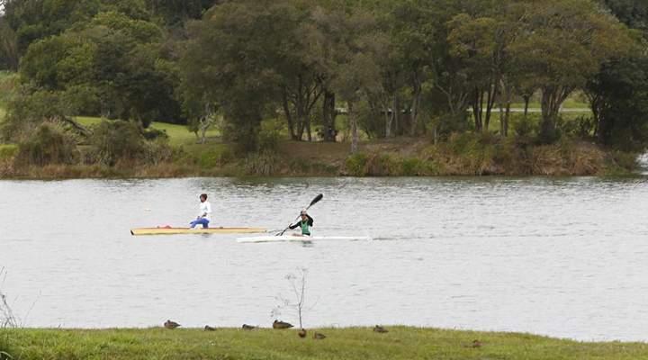 Parque de Curitiba tem passeio de canoa havaiana de graça nesta sexta (11)