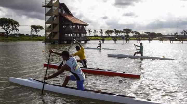Parques com lagos de Curitiba abrem para esportes aquáticos e circo no verão