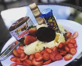 Sobremesa que combina tudo o que o brasileiro gosta serve três pessoas