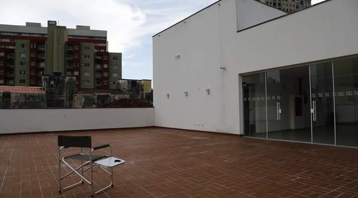 Primeira sessão do Cine Passeio será ao ar livre, terá coxinha e cadeira de cineasta