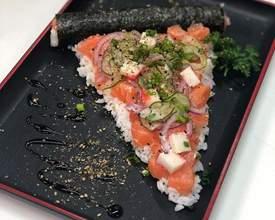 """Bar de Santa Felicidade cria """"pizza de sushi"""""""
