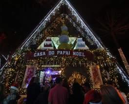 Casa do Papai Noel tem decoração iluminada em mais de 7 mil metros quadrados