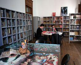 Projeto Traços Curitibanos reúne trabalhos de mais de 120 artistas da cidade