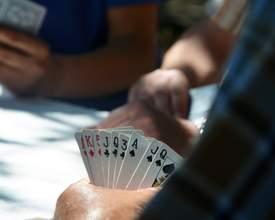 Onde jogar truco em Curitiba? Cinco sugestões de lugares propícios