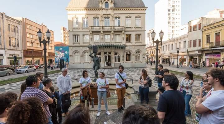 Free Walking Tour: passeio gratuito faz você conhecer Curitiba de um jeito diferente
