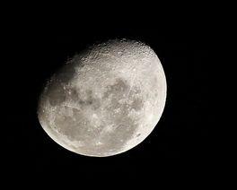 Três lugares em Curitiba para aproveitar o último sábado de lua cheia