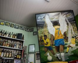 """Cinco bares """"pé-sujos"""" fundamentais de Curitiba"""