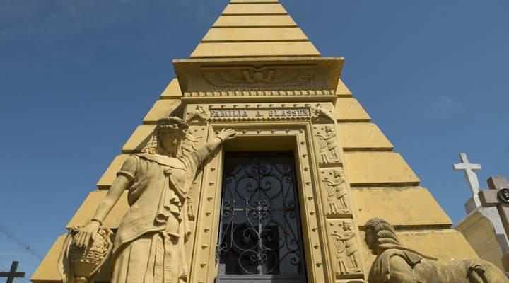 Sexta-feira 13 tem visita guiada no cemitério